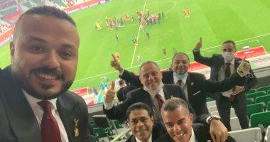 السعودية نيوز |                                              مجلس إدارة النادى الأهلى يحتفل بالتأهل لنصف نهائي كأس العالم للأندية.. صورة
