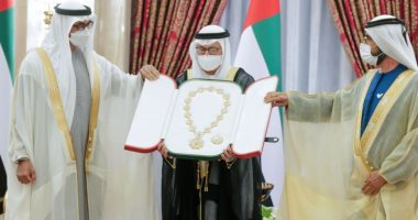 محمد بن راشد بعد إعفاء قرقاش من منصبه بالخارجية: أحد رواد العمل السياسى الإماراتى