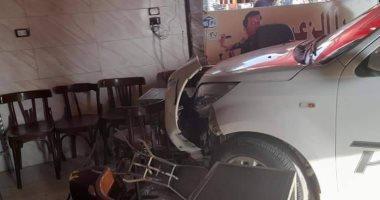 سيارة تقتحم مقهى وتصيب مواطنا في العاشر من رمضان اليوم السابع