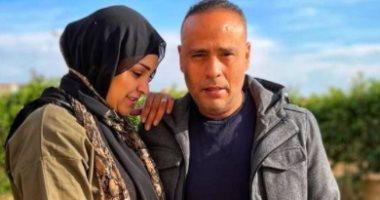 محمود عبد المغنى يحتفل مع زوجته بعيد الحب.. ويعلق: اختصروا الهديتين