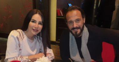 السعودية نيوز |                                              Valentine's Day.. يوسف الشريف يحتفل بعيد الحب مع زوجته إنجي علاء.. صور