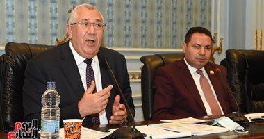 وزير الزراعة: تطبيق كارت الفلاح فى معظم محافظات الجمهورية 15 مارس المقبل