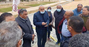 """مسئولو """"الإسكان"""" يتفقدون أعمال المرافق بالحي الحكومي بالعاصمة الإدارية الجديدة"""