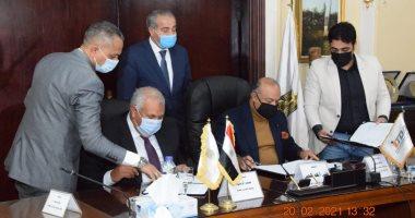 وزير التموين يعلن إنشاء منطقة صناعية واستصلاح 10 آلاف فدان بالوادى الجديد