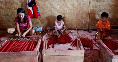 صناعة البخور اليدوى.. حرفة تتوارثها الأجيال فى إندونيسيا.. ألبوم صور