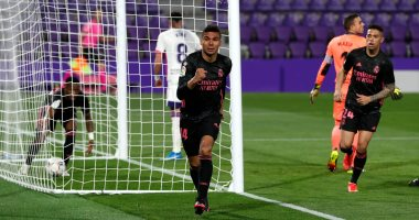 ريال مدريد يشعل الصراع في الدوري الإسباني بفوز صعب على بلد الوليد