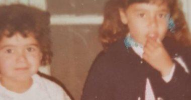 هنا شيحة تحتفل بعيد ميلاد شقيقتها حلا شيحة بصور نادرة لهما ورسالة.. اعرف ماذا قالت