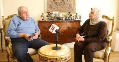 """حفيد آسيا يكشف كيف عاش الهلال والصليب فى بيتها.. """"فيديو"""""""