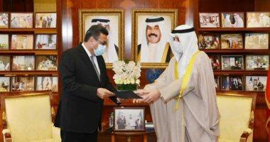 سفير مصر لدى الكويت يسلم رسالة الرئيس السيسى للشيخ نواف الأحمد