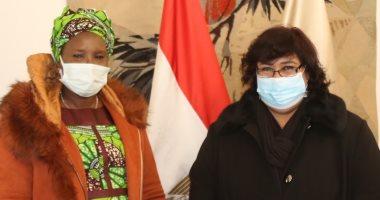 وزيرة الثقافة تستقبل نظيرتها الجنوب سودانية لبحث سبل التعاون الثقافي (صور)