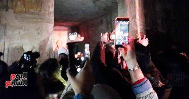 توافد المئات من الزوار على معبد أبوسمبل لحضور تعامد الشمس.. صور