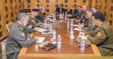 السلطة التنفيذية فى ليبيا تبحث توحيد الجيش مع قيادات عسكرية غرب البلاد