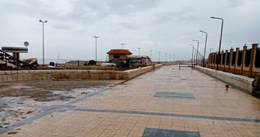 توقف حركة الصيد بميناء بورسعيد بسبب نوة الشمس الصغرى.. صور