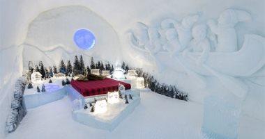 سحر التلج.. فندق الجليد الكندى يبهر العالم بأحدث صيحات الموضة