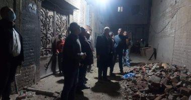 تصدع 10 منازل بحى غرب أسيوط بسبب البحث عن الآثار.. فيديو
