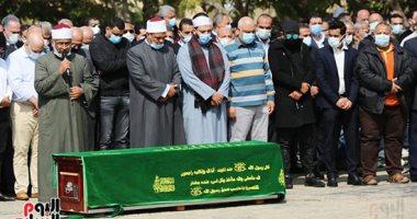 صلاة الجنازة على حسين صبور