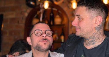 أحمد الفيشاوى يهنئ شقيقه عمر بعيد ميلاده بصور مع سمية الألفى: أحبك يا أخى