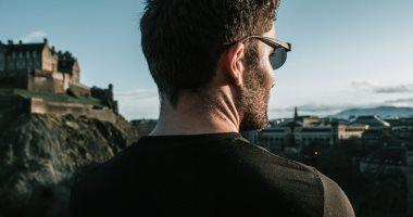 ابتكار نظارة ذكية تتيح الرؤية من الخلف والأمام دون الالتفات لمساعدة الرياضيين