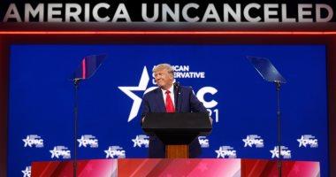 """ترامب يهاجم سياسات بايدن للهجرة ويصفها بـ""""خيانة القيم الأمريكية"""""""