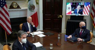 صور.. بايدن يعقد قمة افتراضية مع نظيره المكسيكى