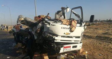 إصابة سائق فى تصادم سيارتي نقل بالعاشر من رمضان صور اليوم السابع