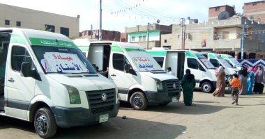 قافلة طبية متنقلة لتسجيل وإعطاء لقاح كورونا للأهالي بقرية أولاد عمرو بقنا