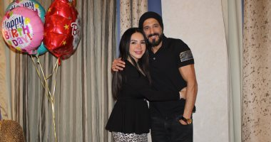 """يوسف الشريف يحتفل بعيد ميلاد زوجته الكاتبة إنجى علاء: """"فخور بيكى"""""""