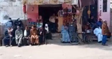استعدادات أمام منزل عائلة المخرج خالد يوسف لتشييع جثمان شقيقه.. فيديو
