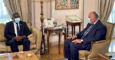 سامح شكرى يبحث مع وزير خارجية جزر القُمر العلاقات الثنائية والموضوعات الإقليمية