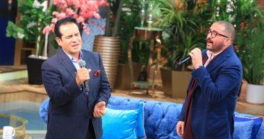 ابن محمد ثروت يكشف كواليس حفل أون لاين مع والده وسر بكائهما.. صور