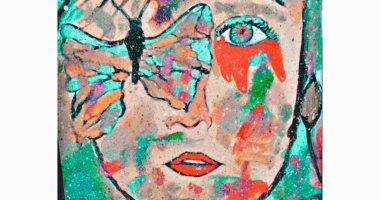قارئة تعبر عن موهبتها في الرسم التشكيلي والمانديلا.. صور