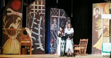 """وزير الثقافة تشهد عرض """"جنة هنا"""" على مسرح قصر ثقافة بورسعيد.. صور"""