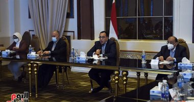رئيس الوزراء يلتقى نواب البرلمان عن المنوفية خلال زيارته المحافظة