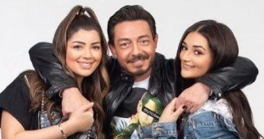 أحمد زاهر في صورة جديدة مع بناته ليلى وملك.. ويعلق: أخواتي