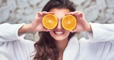 How does vitamin C help support the immune system to fight infection?