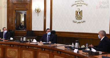 """رئيس الوزراء يلتقى الرئيس التنفيذى لمجموعة """"العربى"""" لبحث استثمارات الشركة بمصر"""