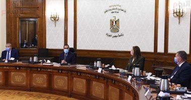 رئيس الوزراء يلتقى رئيس لجنة الشئون الاقتصادية بالبرلمان 