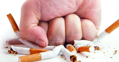 Not only do you harm yourself.. Know the effects of passive smoking on your child's health