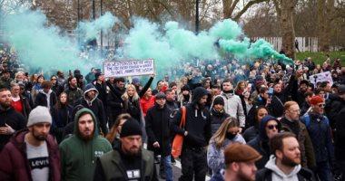 تظاهر الآلاف فى سويسرا احتجاجا على تدابير الحكومة ضد كورونا