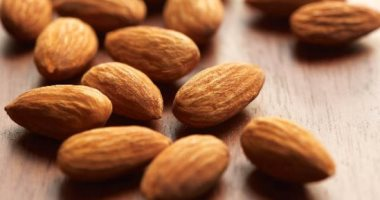 Foods that will help you in the diet and reduce your weight, most notably chili and almonds