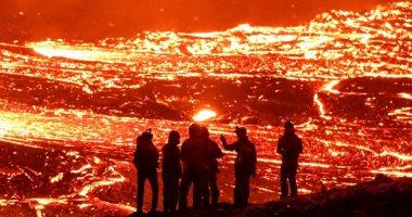 مشاهد مرعبة لثوران بركان ريكيافيك بأيسلندا