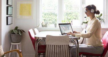 كيف يؤثر العمل من المنزل على عينيك؟.. تعرف على طرق لتفادى الإجهاد البصرى