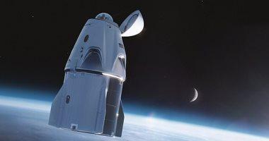 تجهيز مركبة SpaceX بنافذة فى الأعلى استعدادا لأول طاقم من المدنيين