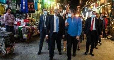 الأمين العام لمنظمة السياحة العالمية يصل مصر لحضور موكب المومياوات.. صور