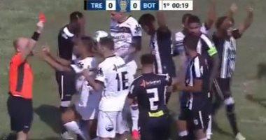 حكم يطرد لاعب بعد 17 ثانية فى أسرع طرد بتاريخ الكرة البرازيلية.. فيديو وصور