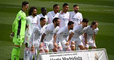 كلاسيكو ناري بين ريال مدريد وبرشلونة على صدارة الدوري الإسباني