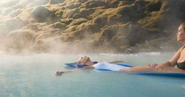 حمام الحيوية والنشاط.. أيسلندا تبهر العالم بالسباحة فى حمامات الطاقة الحرارية الأرضية