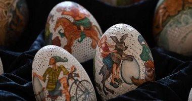 فن من نوع خاص.. فنانة مجرية تحترف النقش على البيض بأسلوب مميز.. ألبوم صور