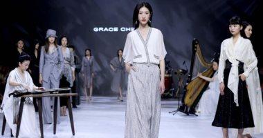 أسبوع الموضة الصينى.. سيطرة موديلات الكم الطويل والجاكت المفتوح على أزياء خريف 2021