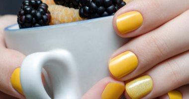 الأصفر يتربع على عرش ألوان طلاء الأظافر فى موضة ربيع وصيف 2021